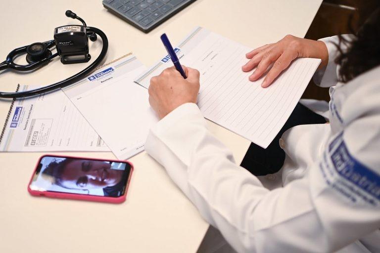 Proposta em debate na Câmara regulamenta a telemedicina - (Foto: Iano Andrade / CNI)