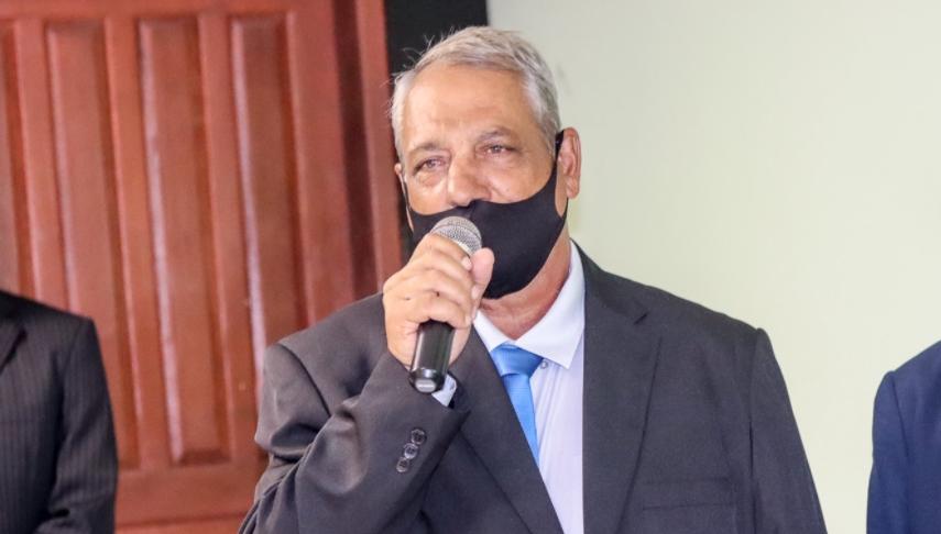 O prefeito de Campanário, cidade do Leste de Minas, Luiz Antônio Campos (PSC), morreu, na manhã deste sábado (20), em um hospital particular de Belo Horizonte, vítima da covid-19.