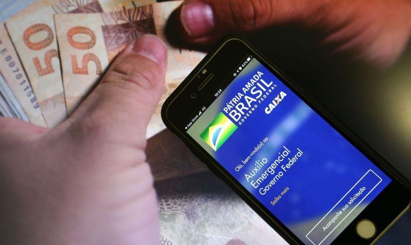 Novas parcelas do auxílio têm valor médio de R$ 250 - (Foto: Marcello Casal JR/ AgÊncia Brasil )