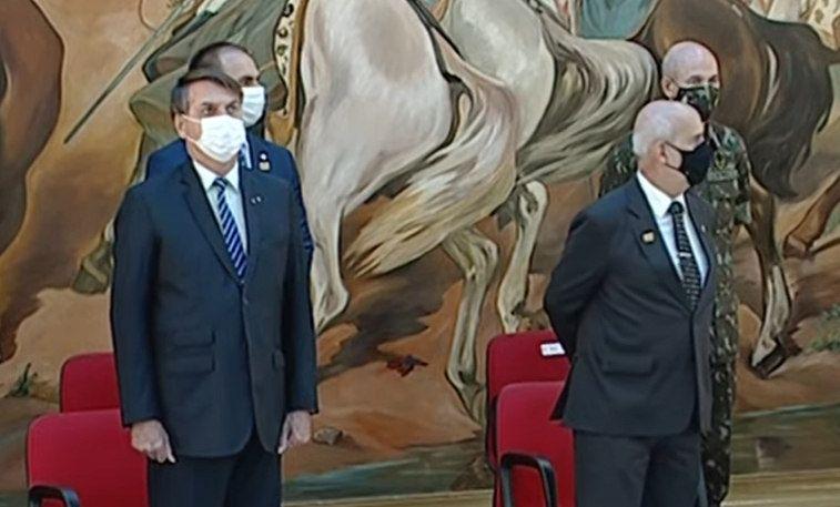 Bolsonaro participa de cerimônia do Exército - (Foto: TV Brasil Gov / Reprodução)