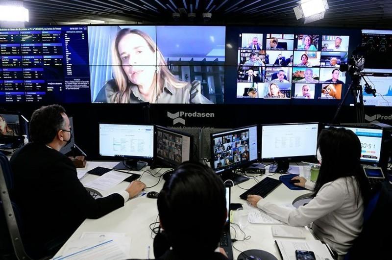 Daniella Ribeiro, relatora do projeto que garante internet nas escolas, durante a sessão remota do Senado - (Foto: Pedro França/Agência Senado -09.06.21)