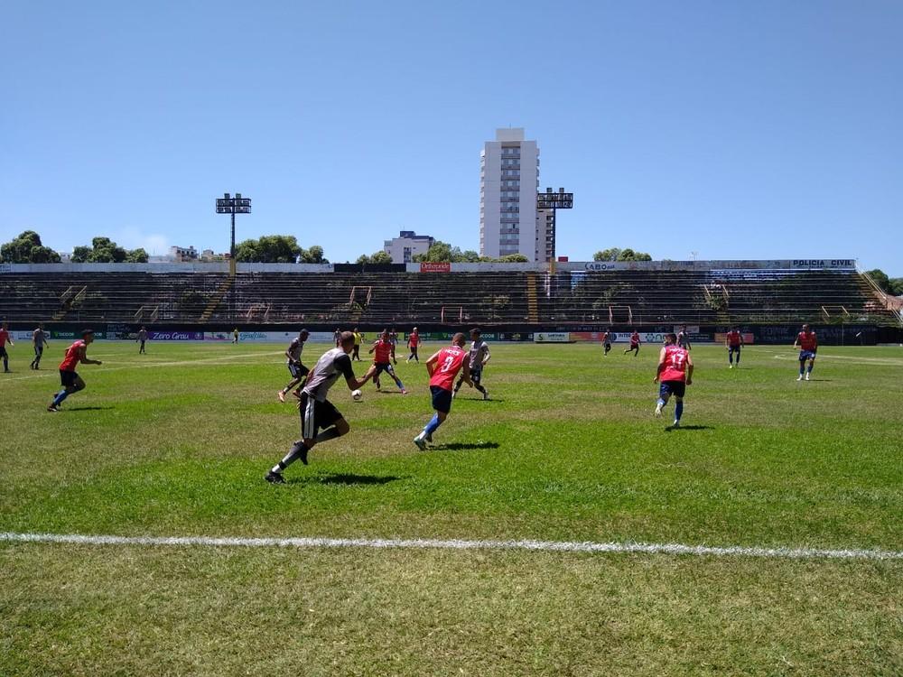 Ipatinga venceu o Democrata-GV por 1 a 0 em jogo-treino realizado no Mamudão, em Governador Valadares — Foto: Tim Filho/Democrata-GV