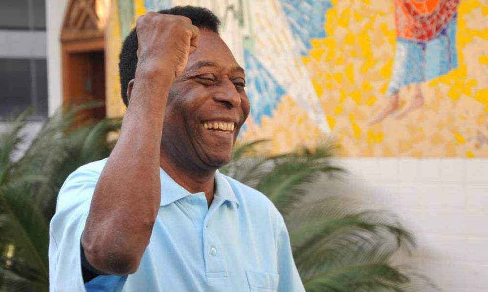 Pelé comemora seus 80 anos com homenagens