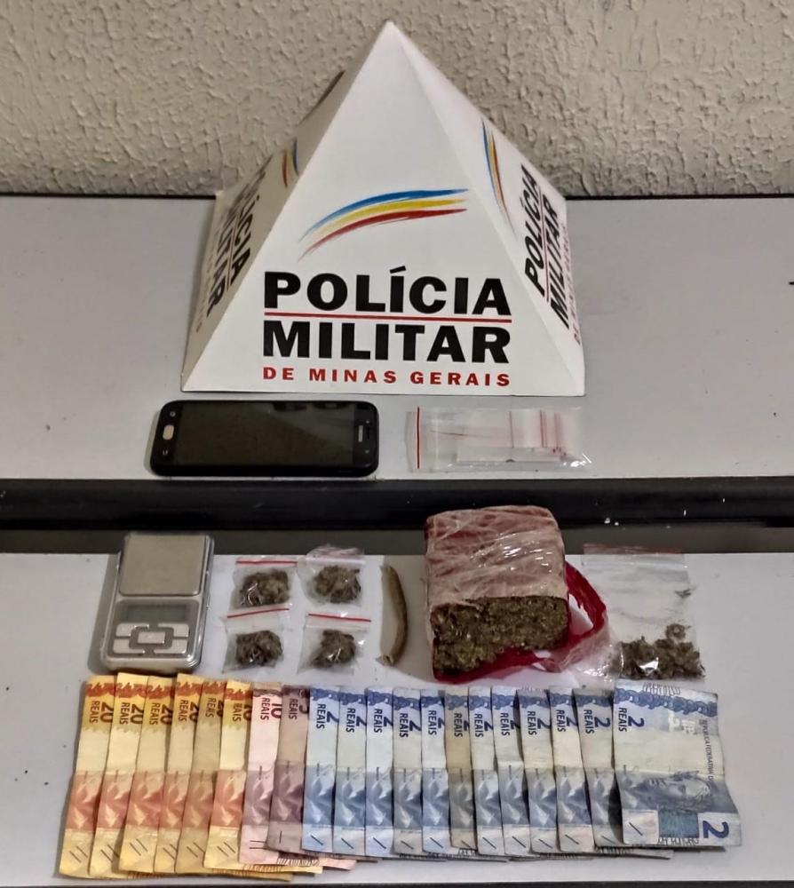 Dinheiro, drogas foram apreendidos com o suspeito foto: divulgação