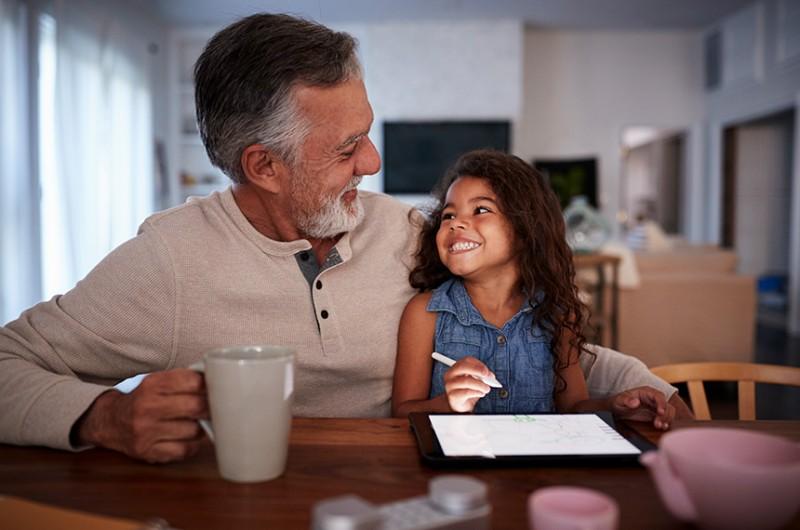 Manutenção dos vínculos afetivos com a família pode se tornar direito da pessoa idosa - Getty Images/iStockphoto